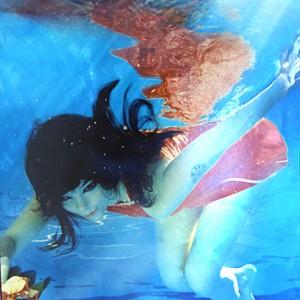 bjork-underwater